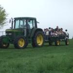 トラクターで牧場散歩
