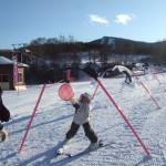 スキーレッスン パンダルマン広場でパンチ!