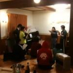 混声合唱団 練習中