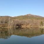 新緑前の姫木湖