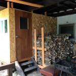 新たな薪棚