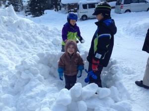 雪のお城作り