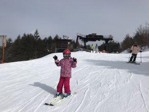 無料スキーレッスン 山頂へ