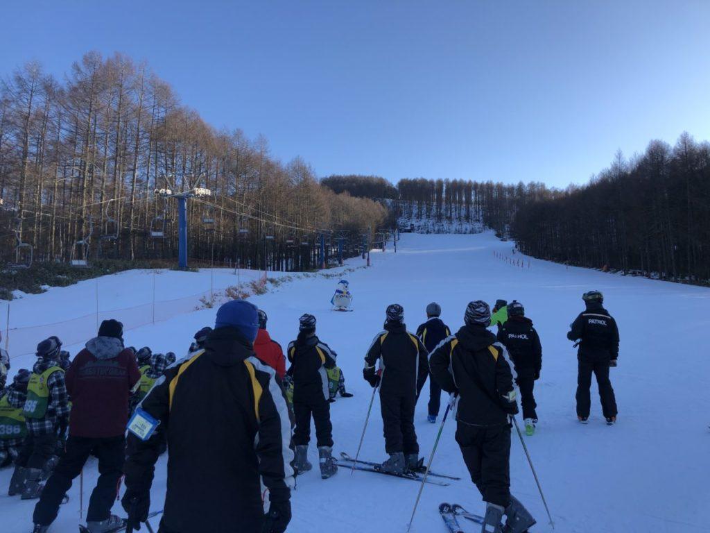 ブランシュたかやま スキー教室 デモ滑走 しろっくまん