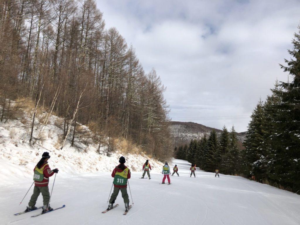ブランシュたかやま スキー教室 スキー初めて女子班