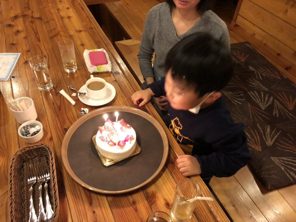 5歳誕生日 ケーキでお祝い
